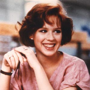 Ally Sheedy and Molly Ringwald play the roles of the two main female ...